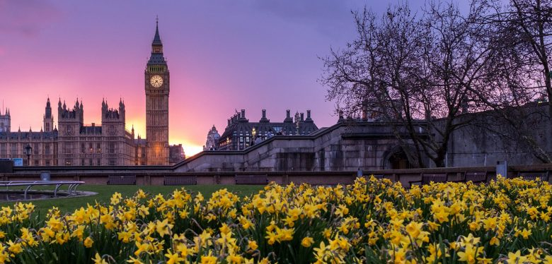 CAN I ACCESS MY UK STATE PENSION?